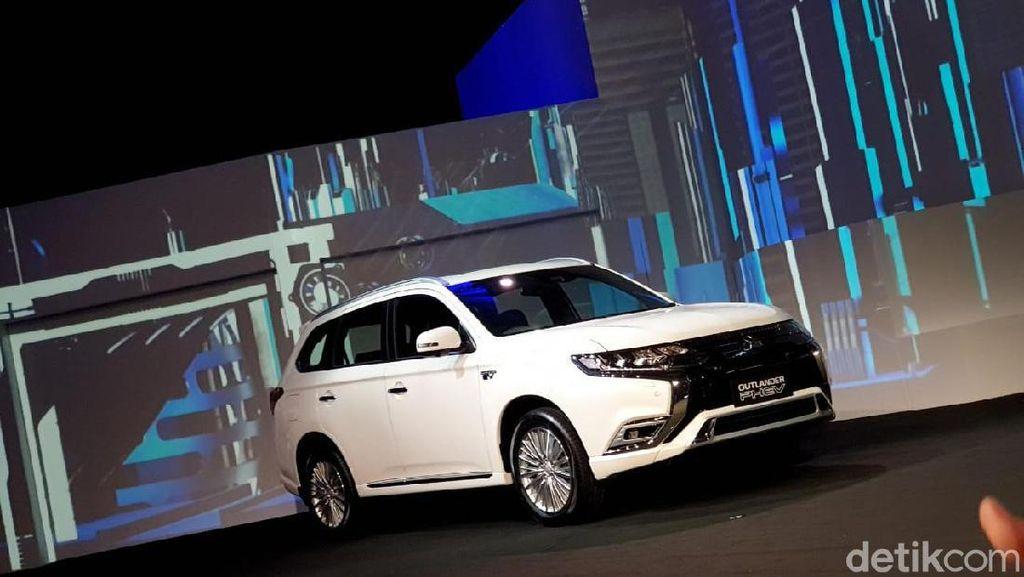 Mitsubishi Nekat Jual Mobil PHEV Tanpa Insentif