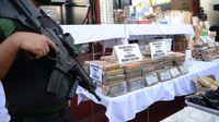 Paket-paket kokain yang sudah diamankan (AFP)