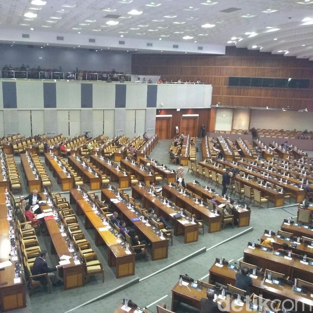 Rapat Paripurna DPR Hari Ini Hanya Dihadiri 85 Anggota