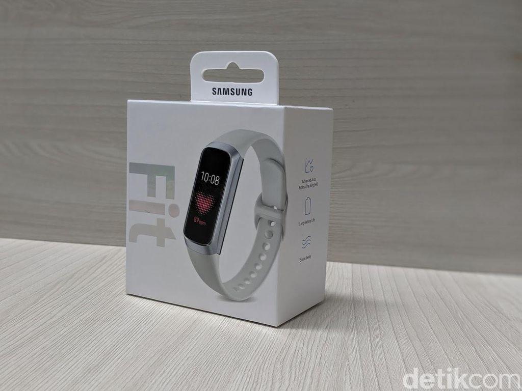 Galaxy Fit belum begitu lama masuk Indonesia. Samsung membanderolnya seharga Rp 1,699 juta. Foto: Adi Fida Rahman/detikINET