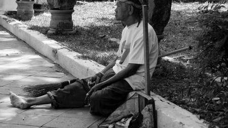 Sang Penjaga Kebersihan Keraton Cirebon
