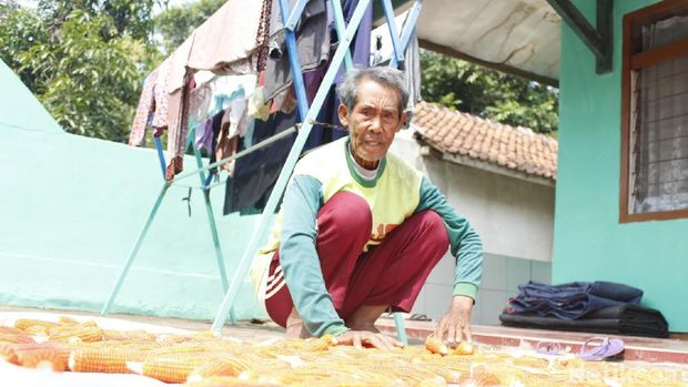 Pasutri Berusia 91 Tahun, Jadi Calon Haji Tertua di Bandung Barat