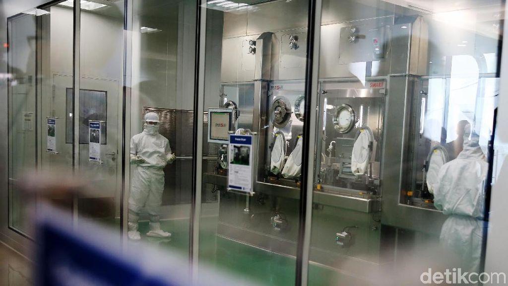 Mengintip Pabrik Obat Antikanker Halal Pertama di Indonesia