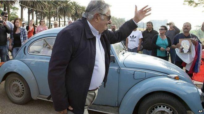 Mantan Presiden Uruguay, Jose Mujica, yang hanya pakai mobil butut VW Beetle
