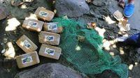 Paket kokain yang ditemukan di pesisir pantai Kota Mauban (Mauban Police)