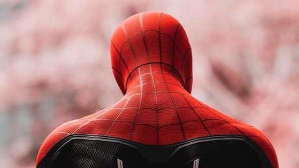 Kumpulan Meme Spider-Man Hingga Teori Asal Usul Mysterio