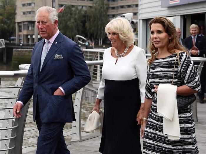 Putri Haya (kanan) bersama Pangeran Charles dan Camilla Parker Bowles. (Foto: Dan Kitwood/Getty Images)