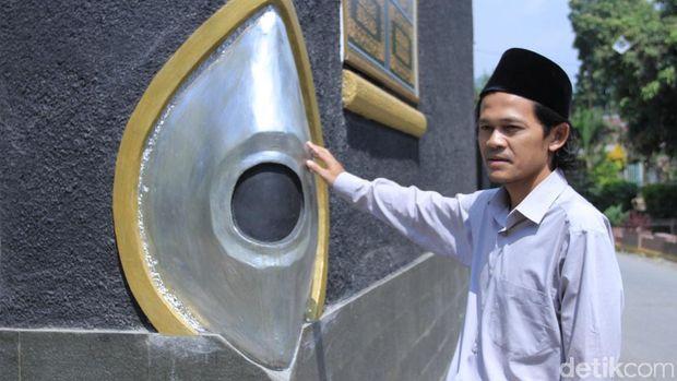 Unik, Masjid Al Majid Replika Kabah di Baleendah