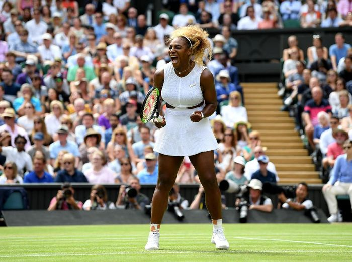 Serena Williams lolos ke semifinal Wimbledon 2019. (Foto: Mike Hewitt / Getty Images)