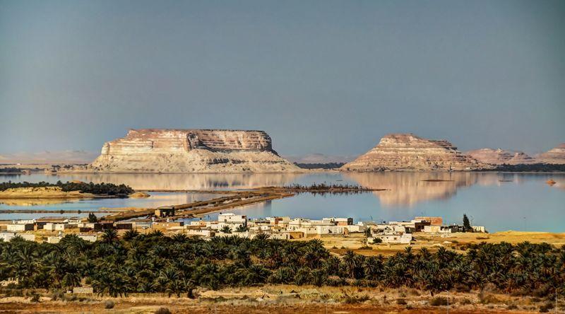 Cleopatra punya pemandian yang terpencil di pelosok sebuah gurun di Mesir. Untuk sampai ke pemandian ini, traveler harus terlebih dulu masuk ke sebuah kota bernama Shali Siwa. (iStock)