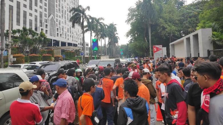 Jelang Laga Persija Vs Persib, Lalin di Jl Pintu Satu Senayan Padat