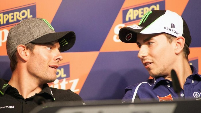 MONTMELO, SPAIN - JUNE 13:  Jorge Lorenzo (R) of Spain and Yamaha Factory Racing speaks with Cal Crutchlow of Great Britain and Monster Yamaha Tech 3 during the press conference pre-event during the MotoGp Of Catalunya - Previews at Circuit de Catalunya on June 13, 2013 in Montmelo, Spain.  (Photo by Mirco Lazzari gp/Getty Images)