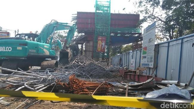 Foto: Lokasi ambrolnya cor beton Tol BORR (Farhan-detik)