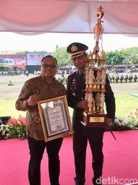 Juara 1 Siskamling Kapolda Cup 2019 wilayah Polresta Sidoarjo/