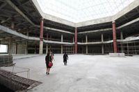 Interior dalam Hotel Ryugyong yang terbengkalai (AFP)