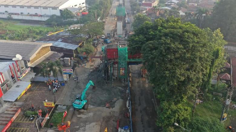 Imbas Cor Beton Tol Lingkar Bogor Ambrol, Lalin ke Parung Dialihkan