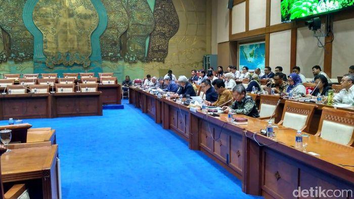 Rapat Kementerian ESDM dan Komisi VII DPR/Foto: Achmad Dwi Afriyadi/detikFinance