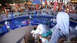 CT Ajak Anak Yatim Bermain di Trans Studio Cibubur