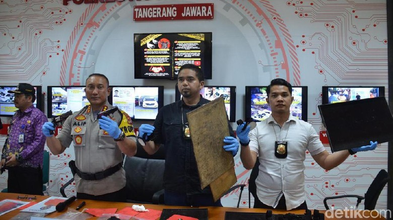Usai Gasak 6 Kg Emas di Tangerang, WN Malaysia Rampok SPBU di KL-Selangor