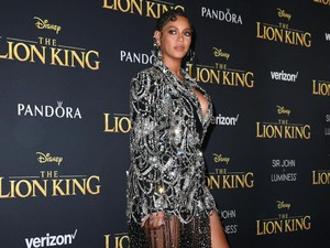 Beyonce Dituduh Palsukan Identitas dan Memuja Setan