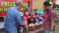 Pencuri Helm di Kantor Bupati dan Mapolres Maros Sulsel Diciduk
