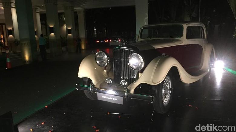 Bentley 3.5 Liter milik seorang kolektor mobil di Jakarta Foto: Dadan Kuswaraharja