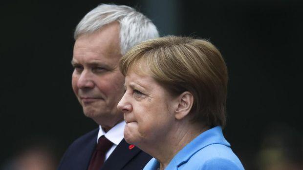 Insiden kejang-kejang di depan umum ini menjadi yang ketiga kali dialami Merkel dalam kurang dari sebulan terakhir