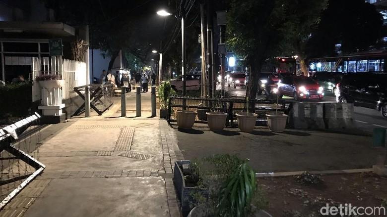 Pencari Suaka di Kebon Sirih Diangkut 19 Bus ke Kalideres Hari Ini