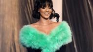 Tampil Ramping, Rihanna Paling Suka Sarapan dengan Telur dan Nanas