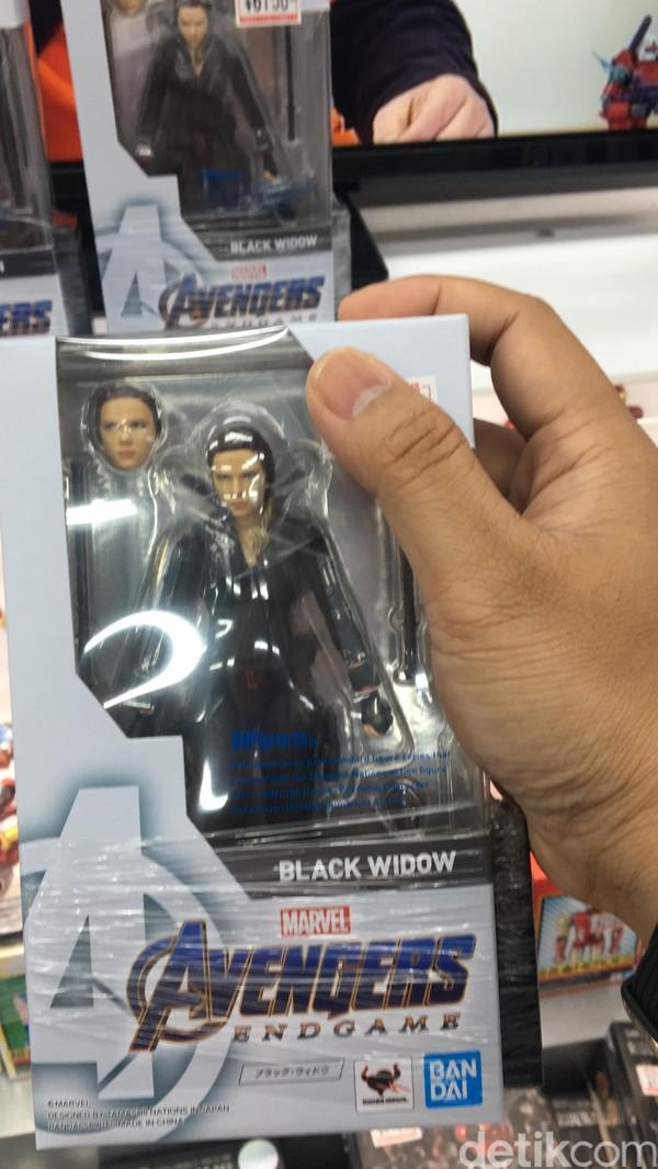 Salah satu contohnya, action figure Black Widow ini. Pengunjung bisa menemukan beragam mainan dan action figur ini di lantai B2. (Dana/detikcom)