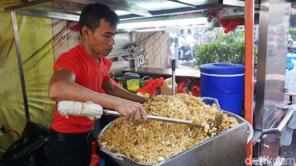 Nasi Goreng Kambing Racikan Haji Nein yang Tersohor Sejak Tahun 1958