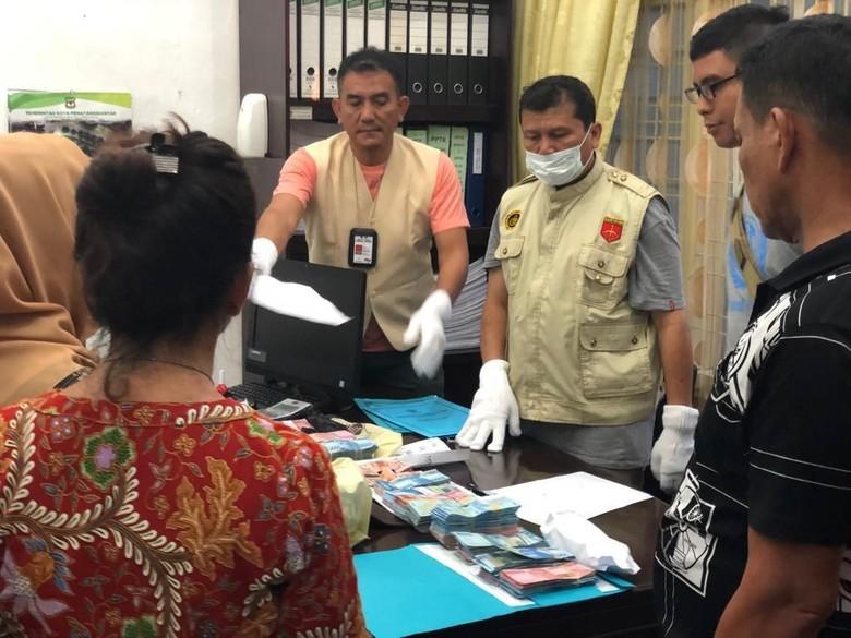 OTT BPKD Pematangsiantar Terkait Pungli Insentif Pegawai, 19 Orang Diamankan