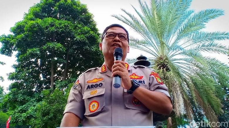 Polisi Kembalikan Puluhan STNK yang Disita di Rumah Rey Utami-Benua