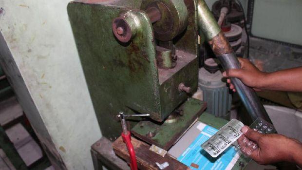Bareskrim Ungkap Praktek Pabrik Obat Paten Palsu di Semarang