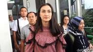 Anak Atiqah Hasiholan Antusias Ikut Rayakan Ultah Ratna Sarumpaet di Sel
