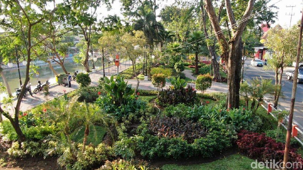 Pemkot Surabaya Anggarkan Rp 8 Miliar untuk Tanaman