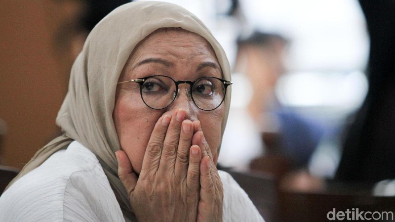 Ekspresi Ratna Sarumpaet Saat Divonis 2 Tahun Penjara