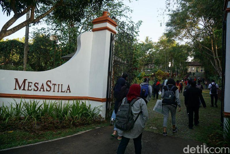 MesaStila adalah sebuah resor di Magelang. Kamar-kamar di sini berupa vila sebanyak 23 buah (Ahmad Masaul Khoiri/detikcom)