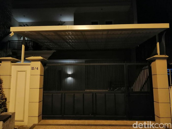 Rumah salah satu komisaris Bank Jatim Budi Setiawan/Foto: Hilda Meilisa Rinanda