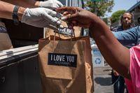Ulang Tahun, Jaden Smith Bagikan Makanan Untuk Tunawisma Lewat Food Truck
