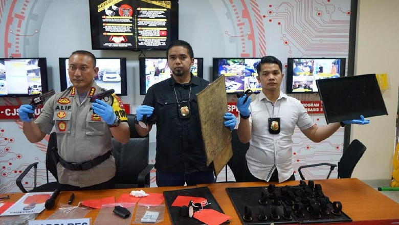 Senpi WN Malaysia Perampok 6 Kg Emas di Tangerang Ternyata Korek Api