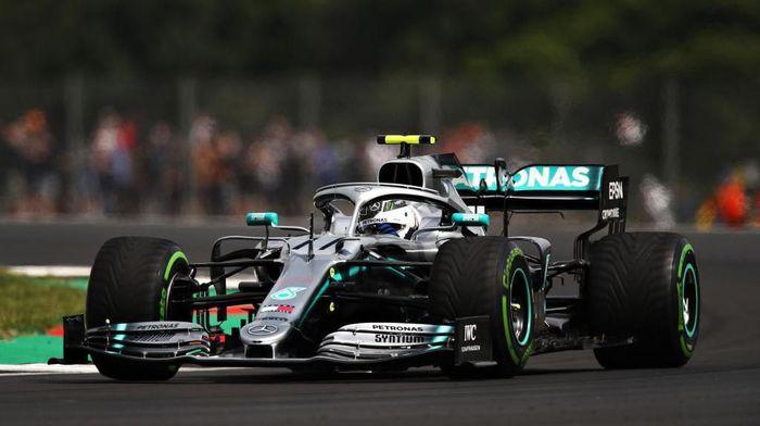 Valtteri Bottas kuasai sesi latihan bebas kedua GP Inggris (Bryn Lennon/Getty Images)