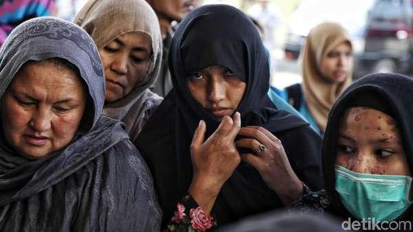 Ditolak Warga, Pencari Suaka: Kami Tak Akan Buat Masalah