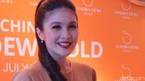 Romantis! Sandra Dewi Dihadiahi Suami Perhiasan Saat Melahirkan