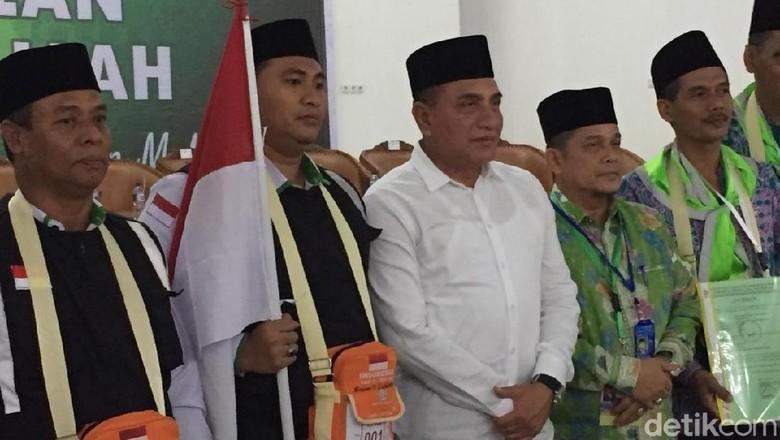 Gubernur Sumut Lepas Calon Jemaah Haji Kloter 1 Embarkasi Medan