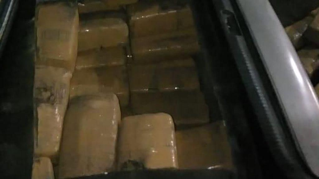 BNN Banten Tangkap Bule Asal Bekasi yang Sembunyikan 150 Kg Ganja