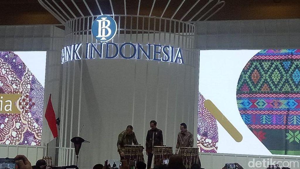 Pukul Bedug, Jokowi Buka Pameran UMKM di JCC Senayan