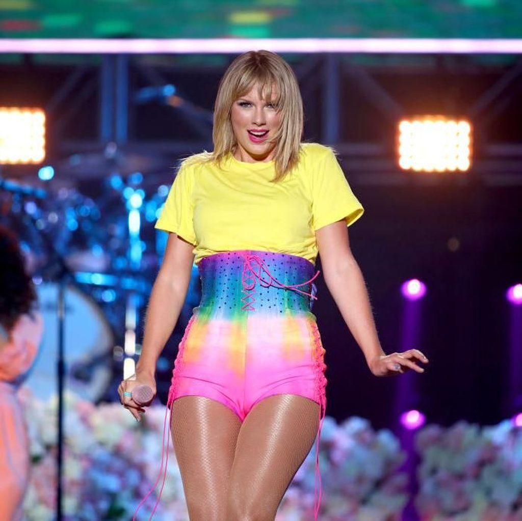 Ini Syarat Agar Taylor Swift Bisa Nyanyikan Lagu Lamanya