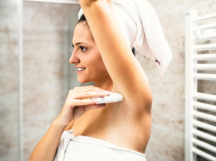 11 Cara Mengurangi Keringat Berlebih dengan Alami Foto: Dok. iStock