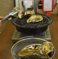 Di Tempat Ini Bisa Makan Tiram Jepang Paling Segar Sepuasnya